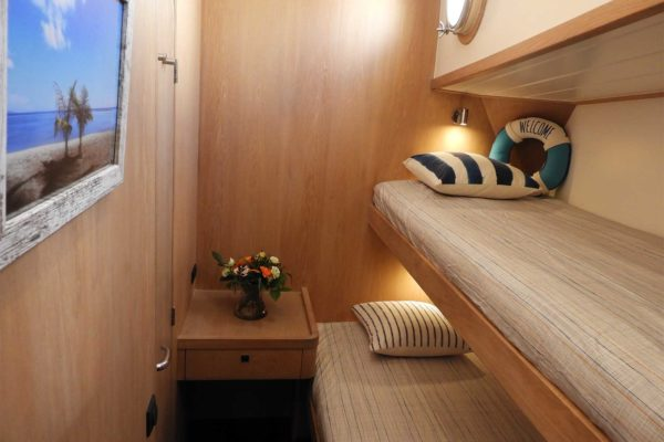 bylgja-sailing-charters-cabins-33